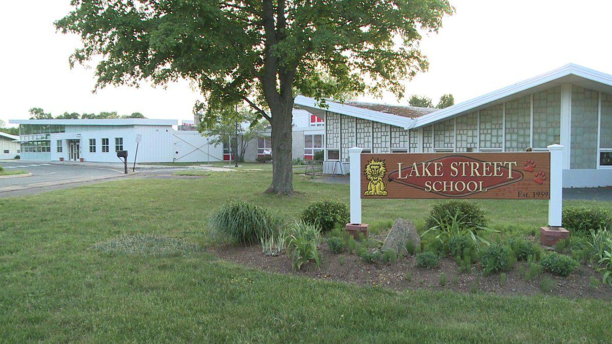 Lake Street School